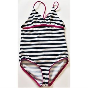 🔆3/$30🔆 Striped swimsuit 👙